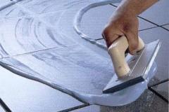Керамическая плитка. Подготовка швов к затирке